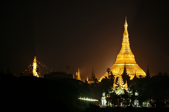 Photo -  Rangoon, Shwedagon Paya